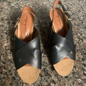 Easy spirit wedge shoes